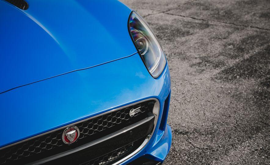 2017 Jaguar F-type S coupe - Slide 24