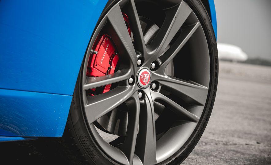 2017 Jaguar F-type S coupe - Slide 25