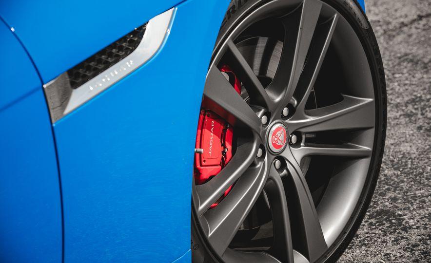 2017 Jaguar F-type S coupe - Slide 26