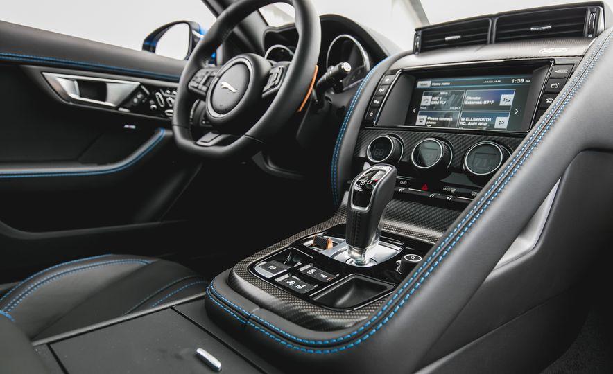 2017 Jaguar F-type S coupe - Slide 39