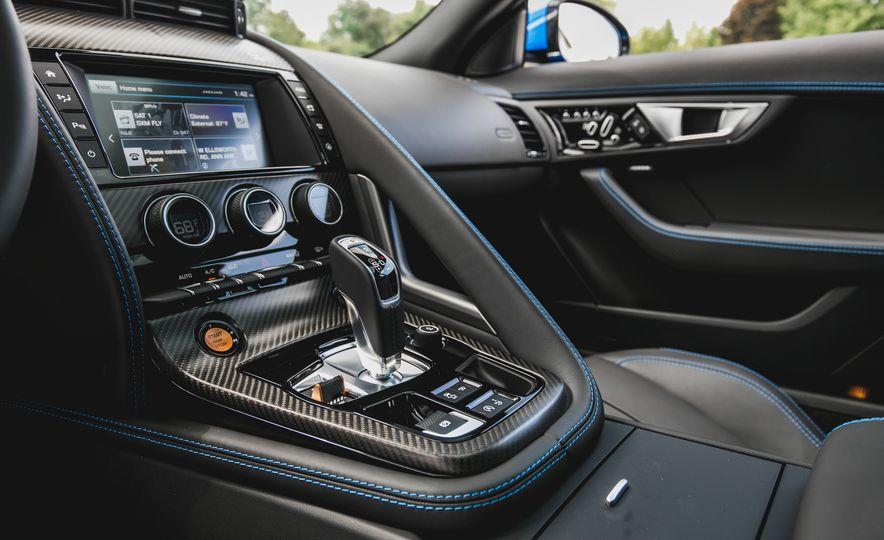 2017 Jaguar F-type S coupe - Slide 46