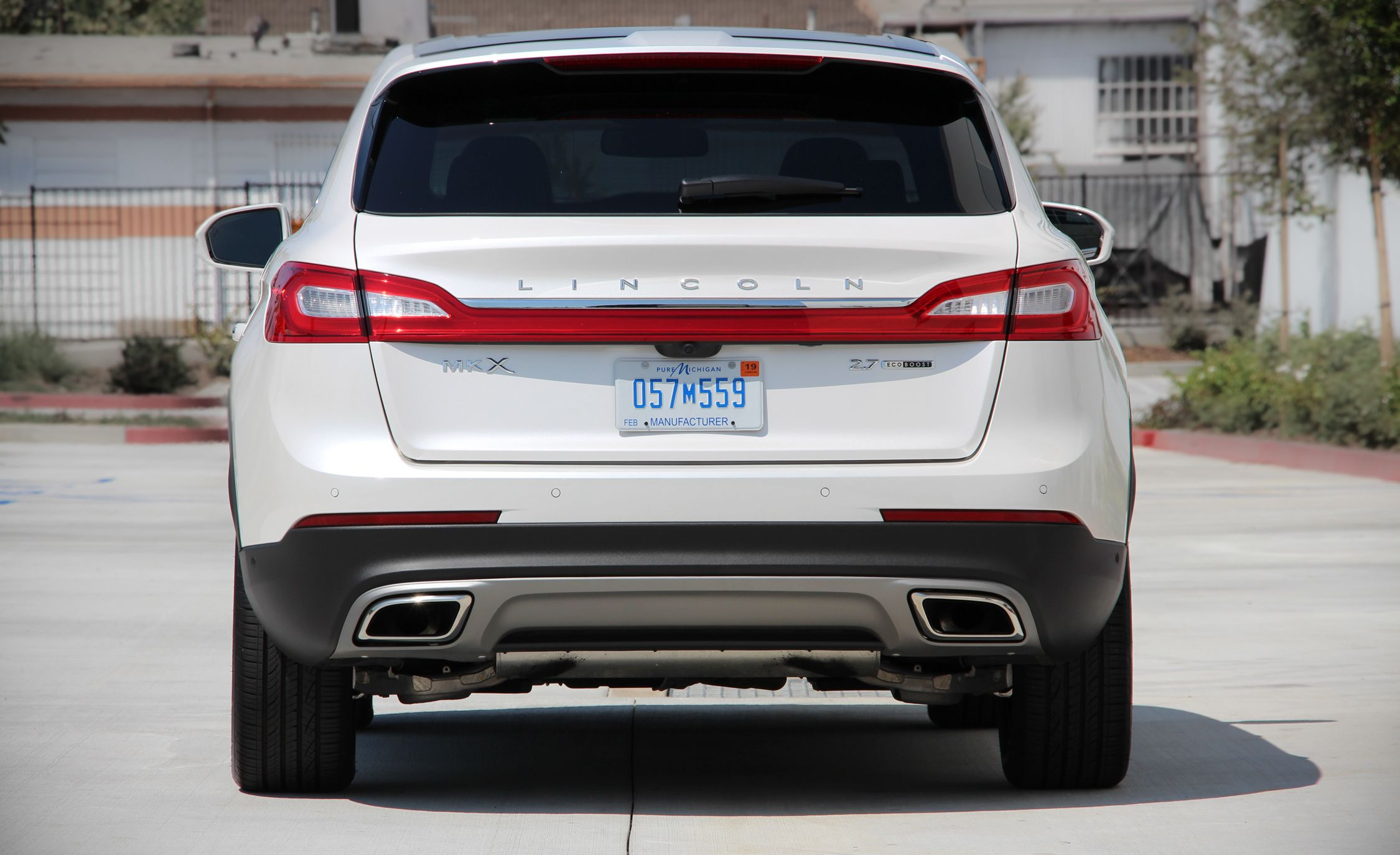 Lincoln Mkx Reviews Price Photos And Specs Car Driver