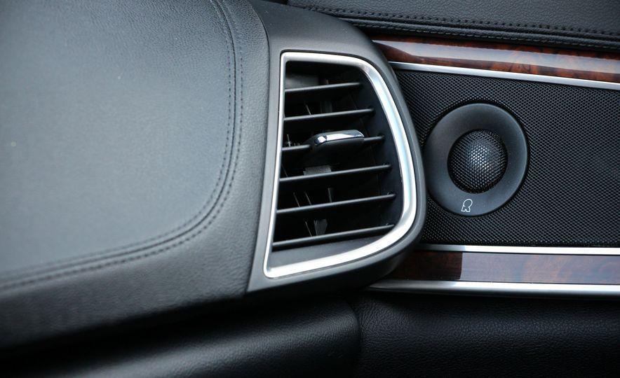 2017 Lincoln MKX - Slide 35