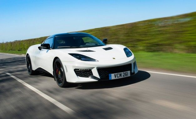 Mo' Cupholder, Mo' Options: Lotus Evora 400 Adds Available Carbon Bits, Space for Your Beverage