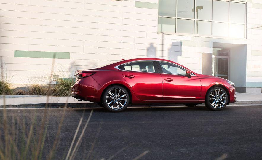 Mazda 6 convertible - Slide 16