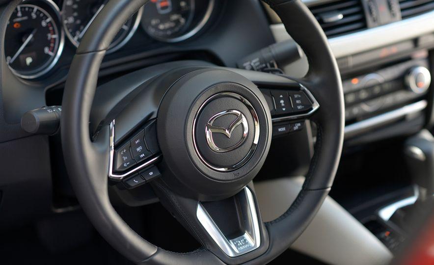 Mazda 6 convertible - Slide 34