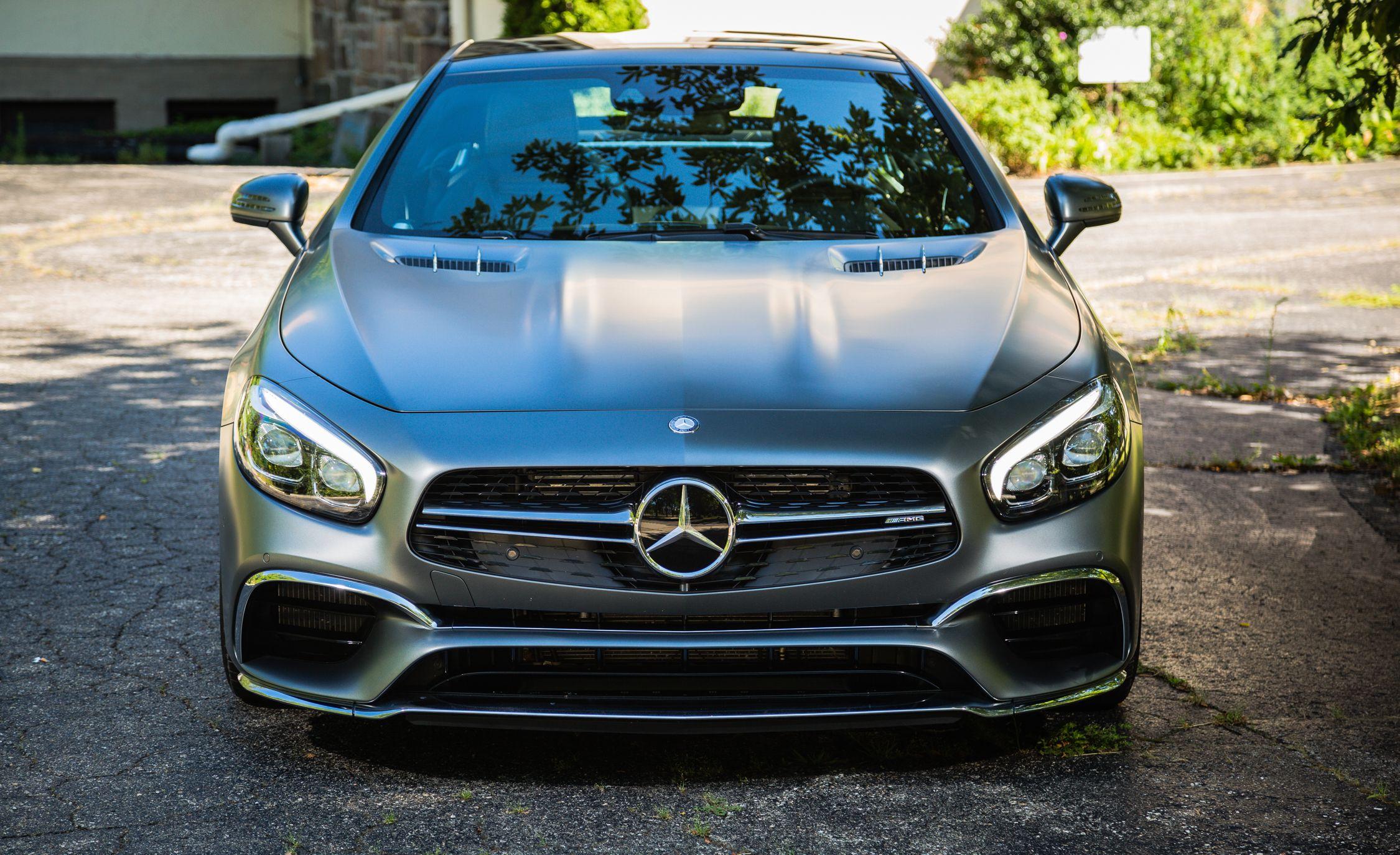 https://hips.hearstapps.com/amv-prod-cad-assets.s3.amazonaws.com/wp-content/uploads/2016/08/2017-Mercedes-AMG-SL65-117.jpg