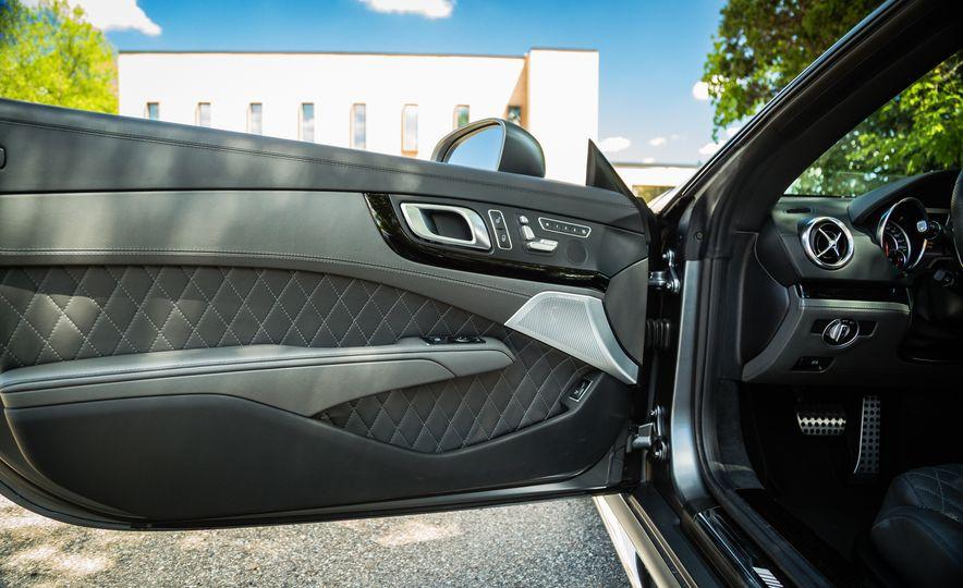 2017 Mercedes-AMG SL65 - Slide 32