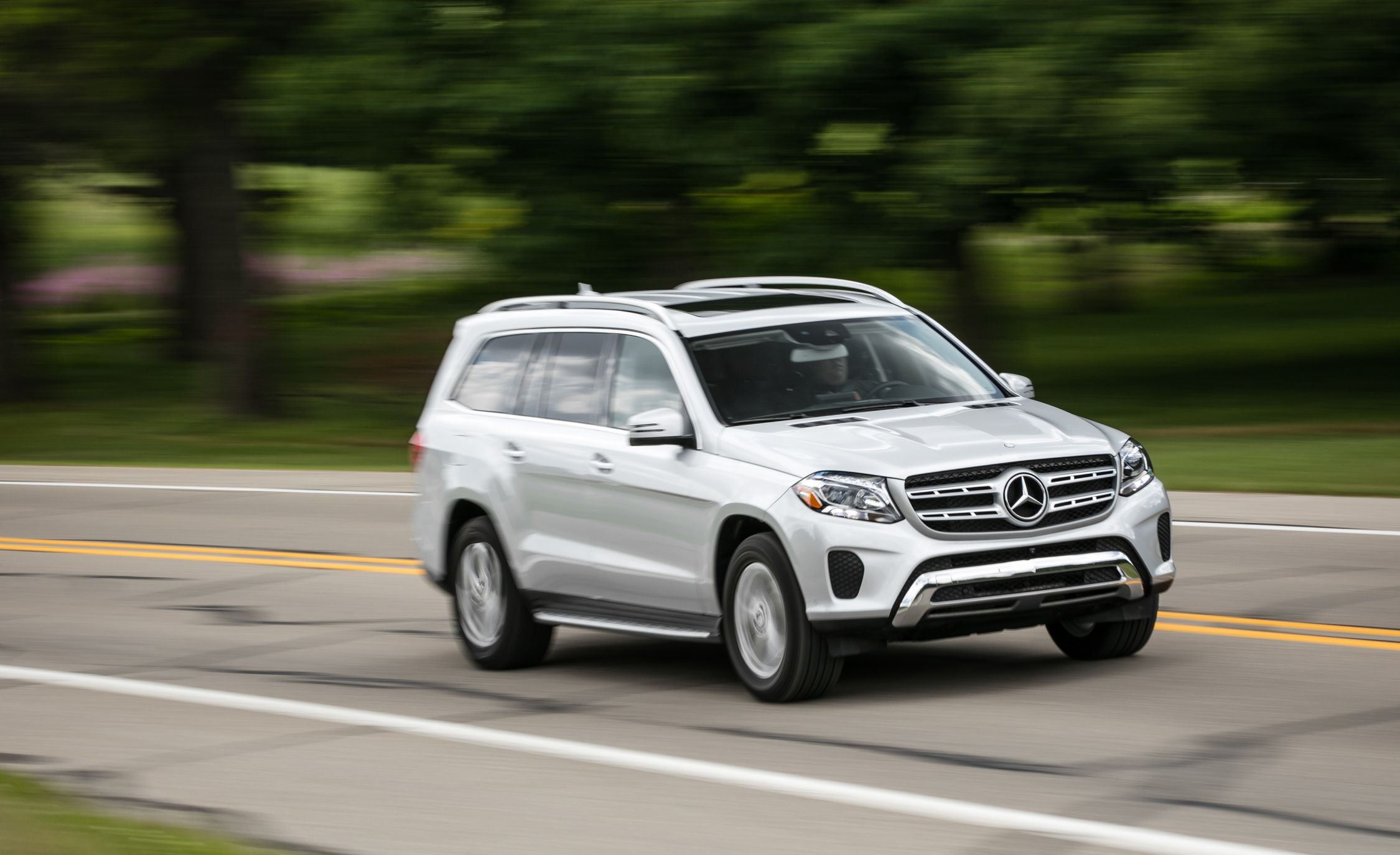 2017 mercedes benz gls class pictures photo gallery for Used mercedes benz gls450