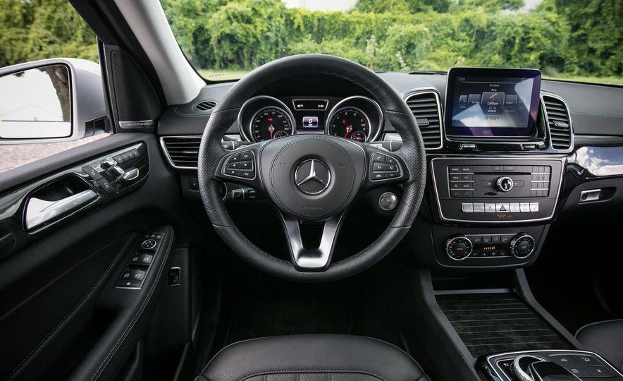 2017 Mercedes-Benz GLS450 - Slide 38