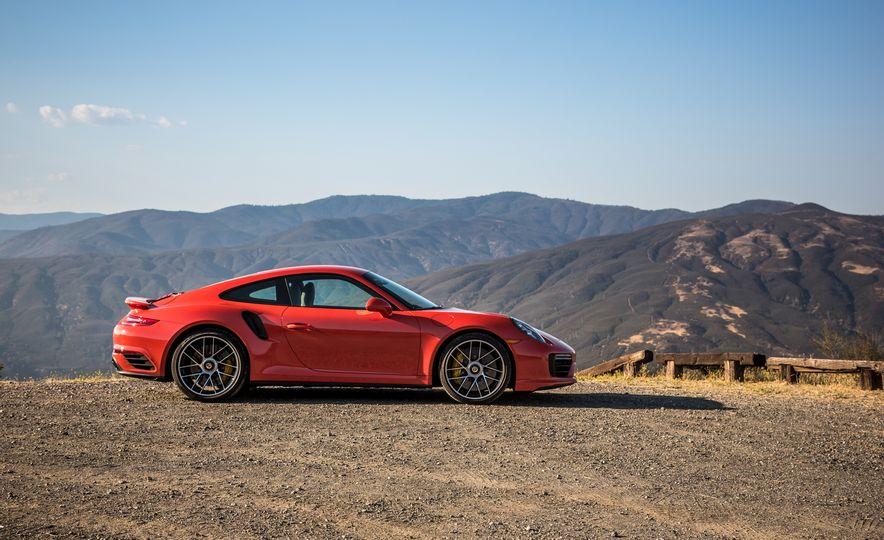 2017 Porsche 911 Turbo - Slide 35