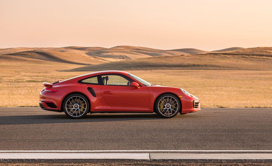 2017 Porsche 911 Turbo - Slide 38