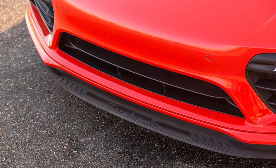2017 Porsche 911 Turbo - Slide 40