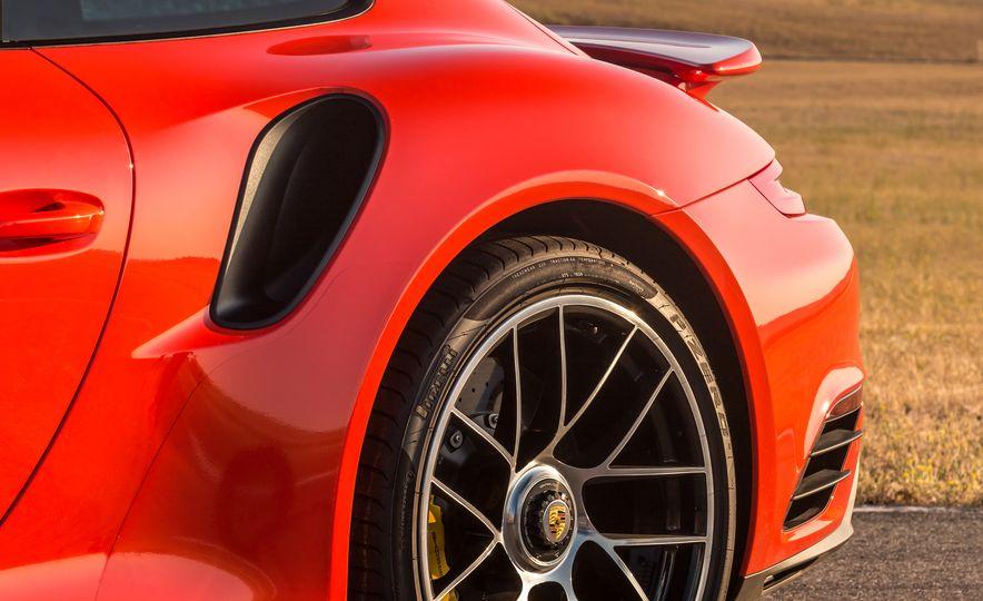 2017 Porsche 911 Turbo - Slide 43