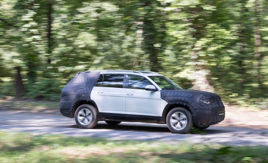 2018 Volkswagen Three-Row Crossover SUV prototype - Slide 1