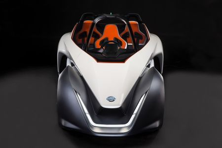 Nissan's Bizarre BladeGlider Wedge Car Glides Closer to Reality