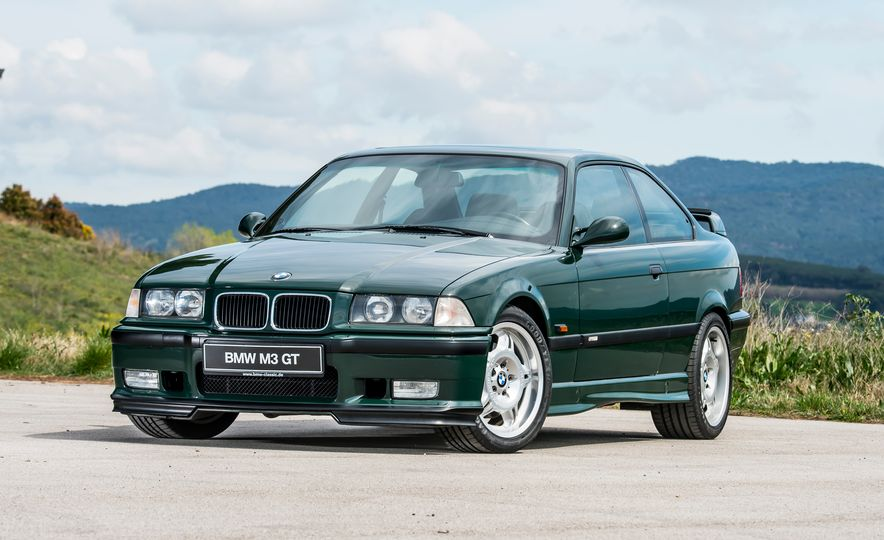 bmw m3 30th anniversary a look back at the ultimate ultimate driving machine. Black Bedroom Furniture Sets. Home Design Ideas