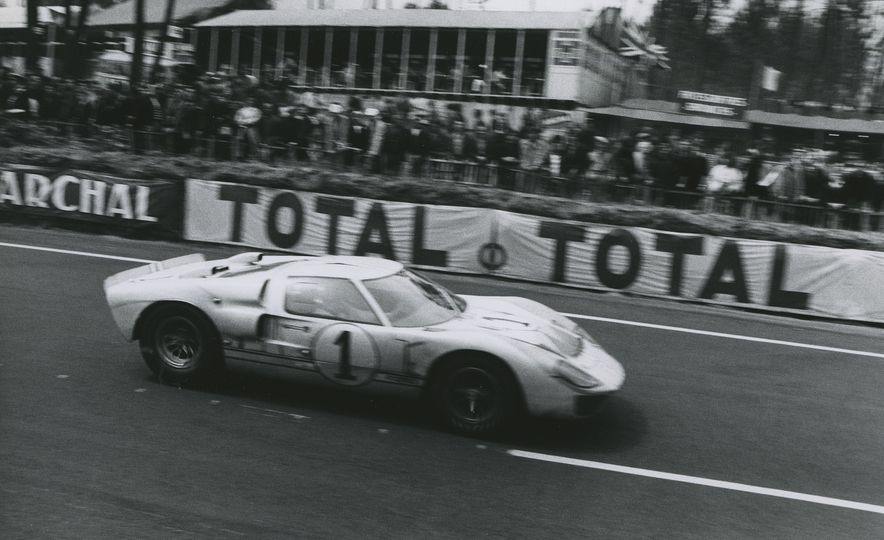 17 Vintage Ford GT40s Stampede into Pebble Beach! We Dive into Their Histories - Slide 12