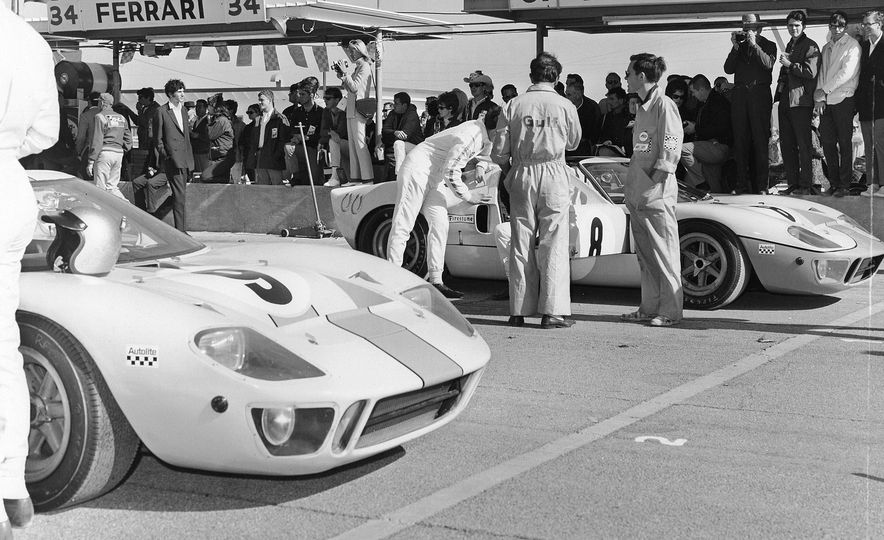 17 Vintage Ford GT40s Stampede into Pebble Beach! We Dive into Their Histories - Slide 28