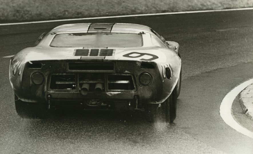 17 Vintage Ford GT40s Stampede into Pebble Beach! We Dive into Their Histories - Slide 30