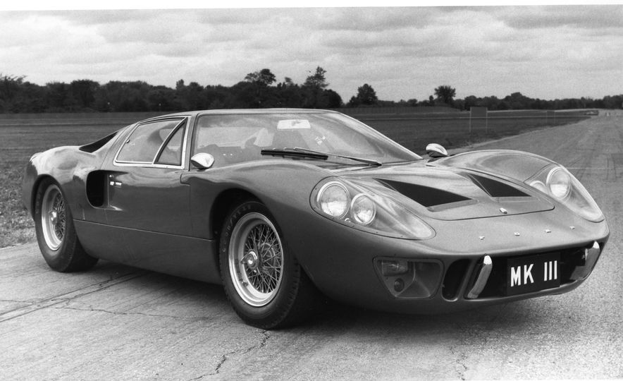17 Vintage Ford GT40s Stampede into Pebble Beach! We Dive into Their Histories - Slide 44