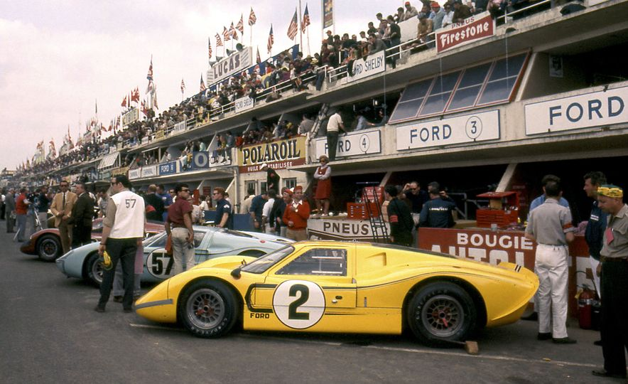 17 Vintage Ford GT40s Stampede into Pebble Beach! We Dive into Their Histories - Slide 42