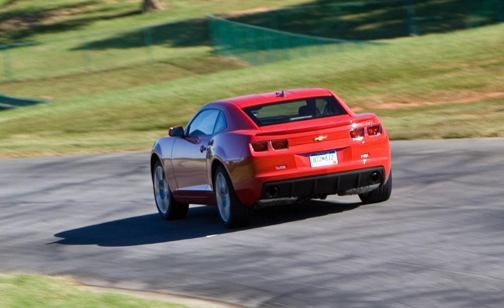Lightning Lap Legends: Chevrolet Camaro vs. Ford Mustang! - Slide 7