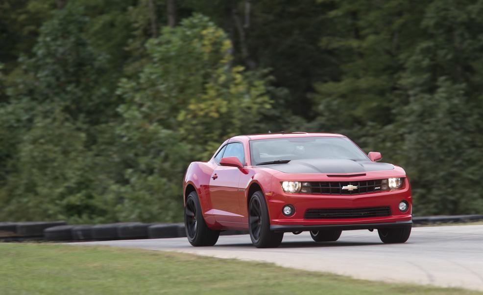 Lightning Lap Legends: Chevrolet Camaro vs. Ford Mustang! - Slide 14