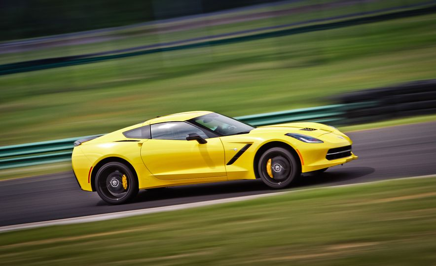 Lightning Lap Legends: Chevrolet Corvette vs. Porsche 911! - Slide 14