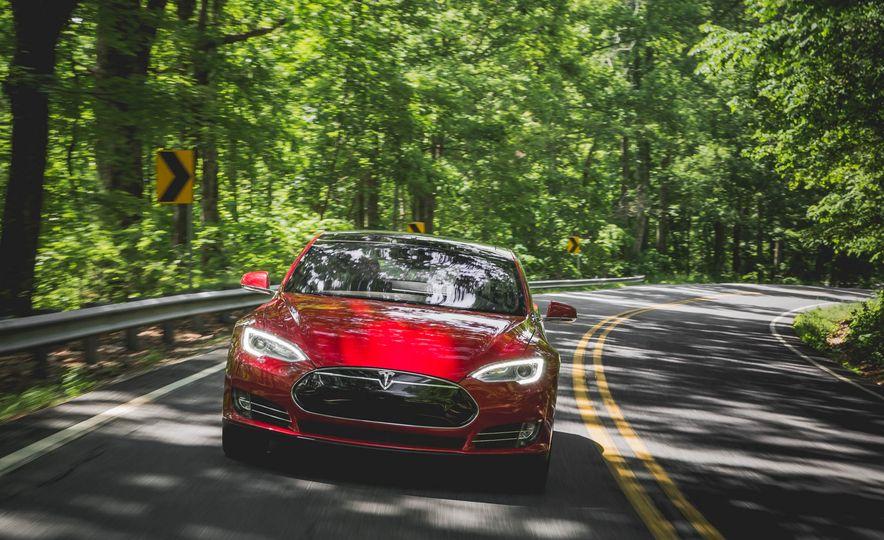 2015 Tesla Model S P85D - Slide 26