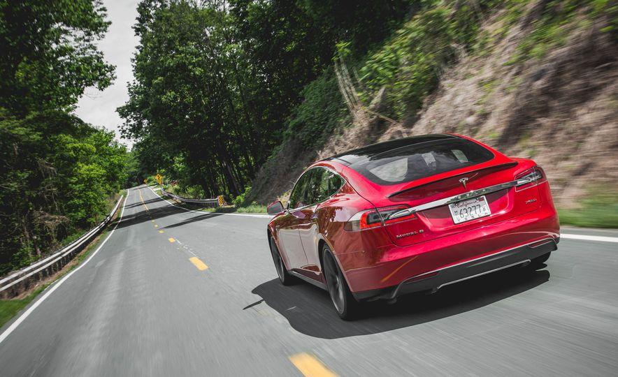 2015 Tesla Model S P85D - Slide 33
