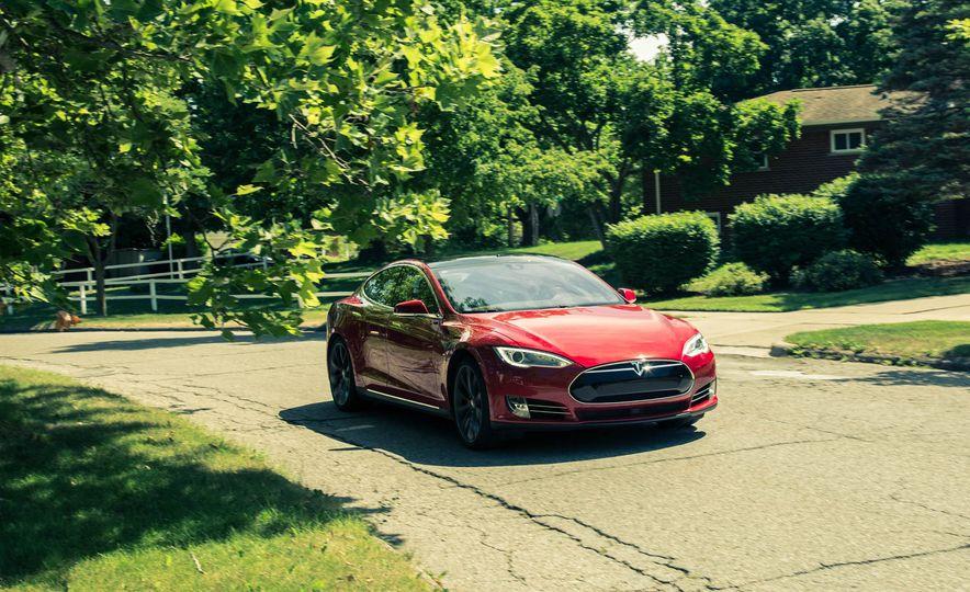 2015 Tesla Model S P85D - Slide 12