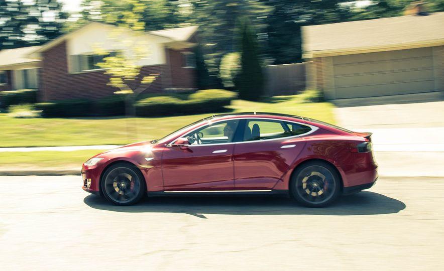 2015 Tesla Model S P85D - Slide 15