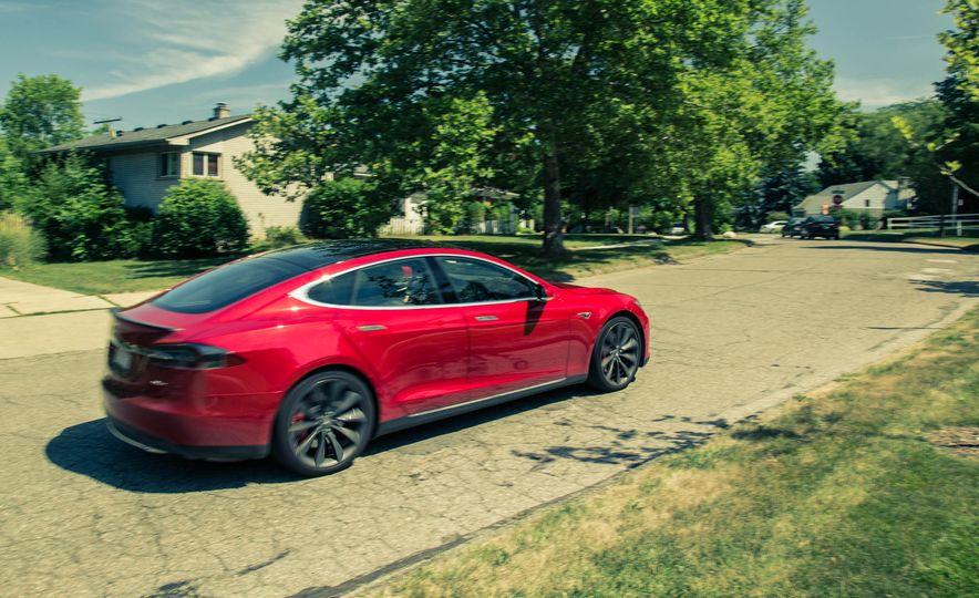 2015 Tesla Model S P85D - Slide 18