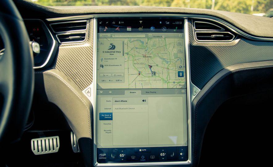 2015 Tesla Model S P85D - Slide 34