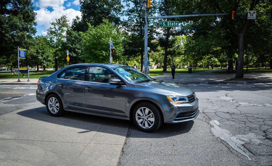 2016 Volkswagen Jetta - Slide 1