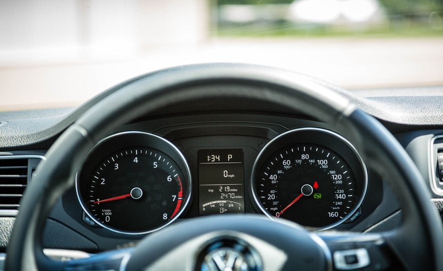2016 Volkswagen Jetta - Slide 17