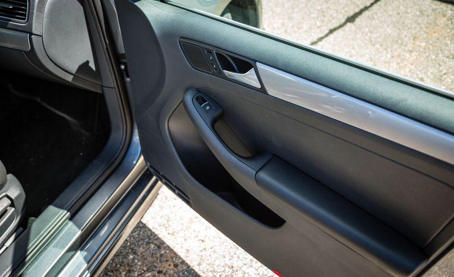 2016 Volkswagen Jetta - Slide 23
