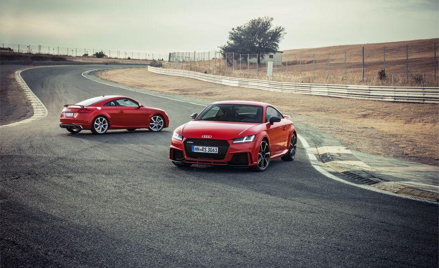 2018 Audi TT RS coupe - Slide 3