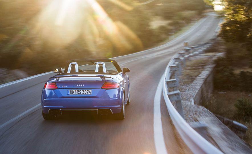 2018 Audi TT RS roadster - Slide 12