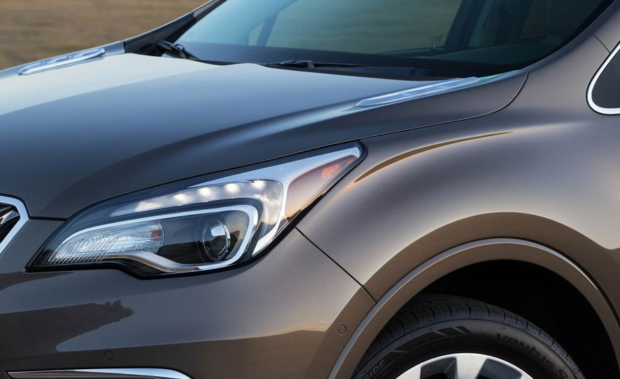 2017 Buick Envision - Slide 10