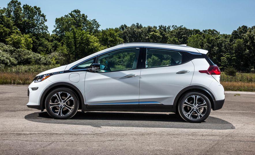 2017 Chevrolet Bolt EV - Slide 7