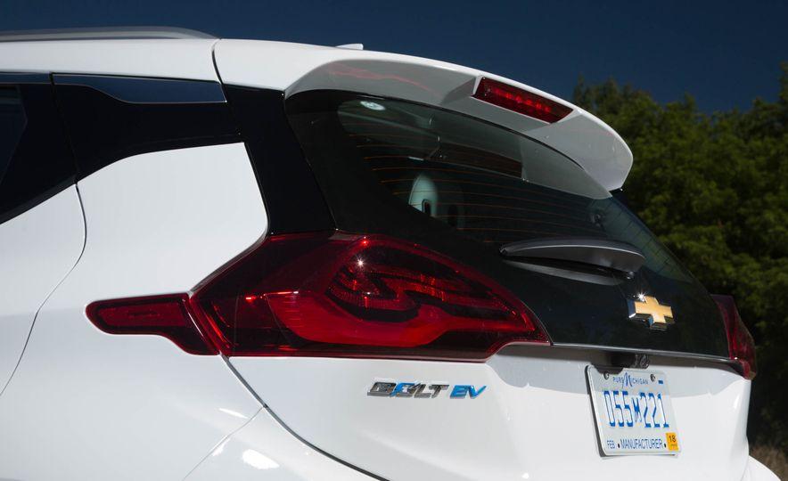 2017 Chevrolet Bolt EV - Slide 10