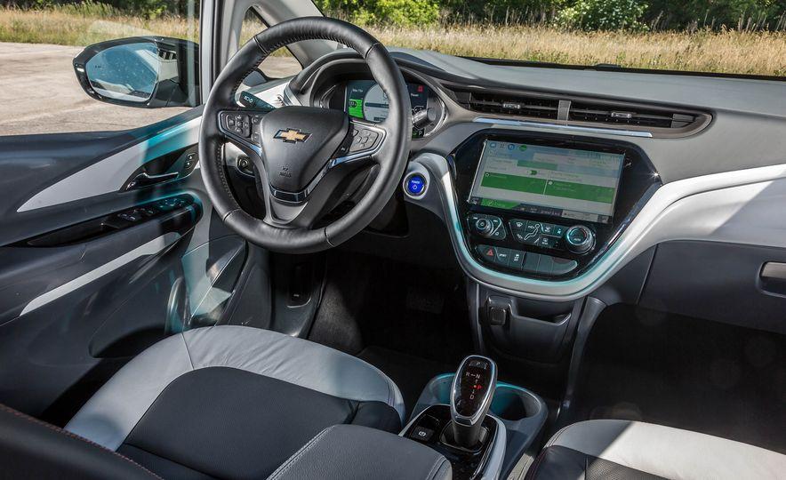 2017 Chevrolet Bolt EV - Slide 17