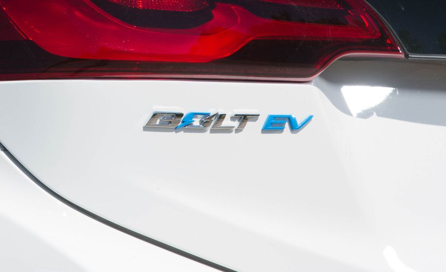 2017 Chevrolet Bolt EV - Slide 17