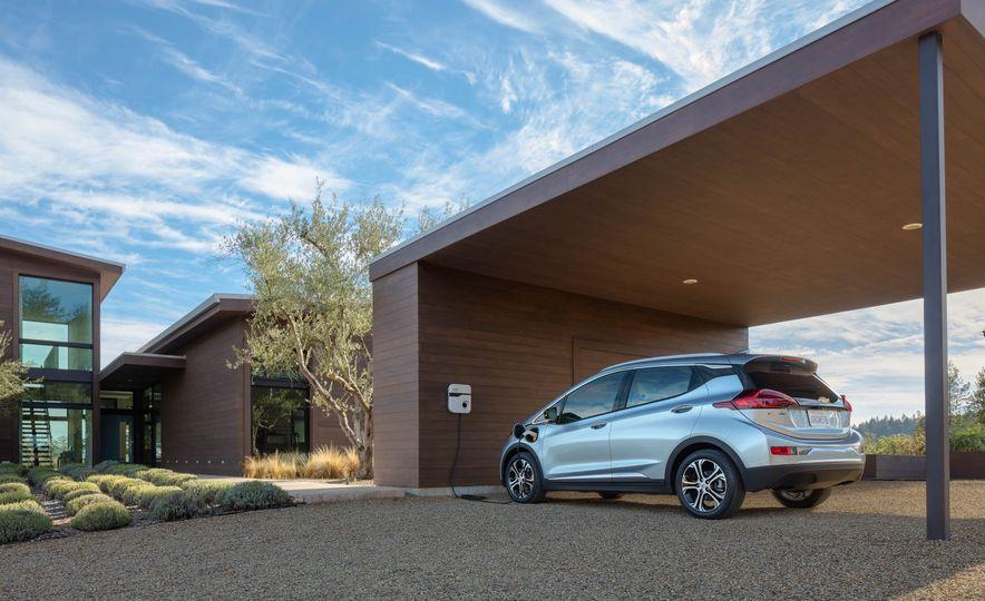 2017 Chevrolet Bolt EV - Slide 25