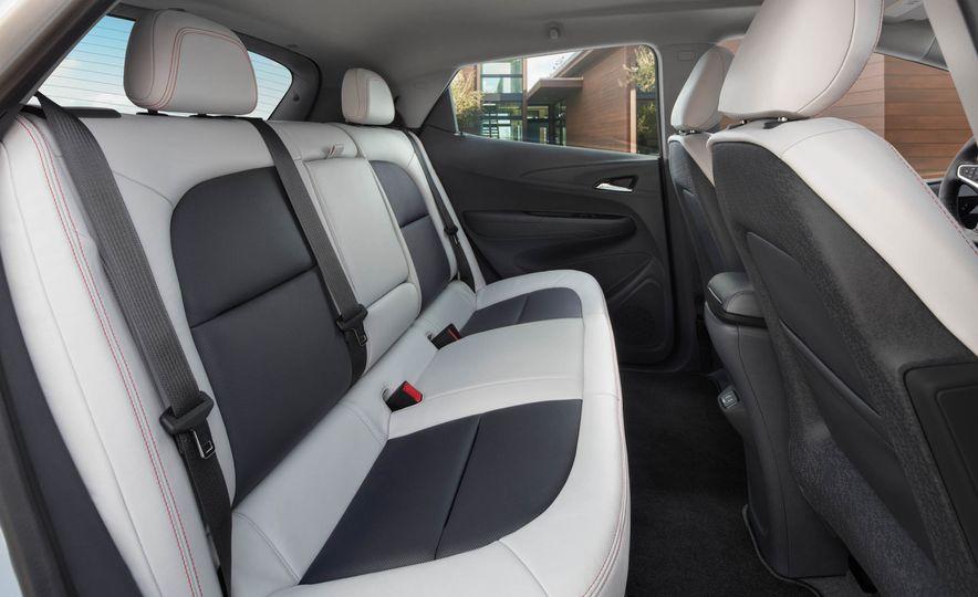 2017 Chevrolet Bolt EV - Slide 40
