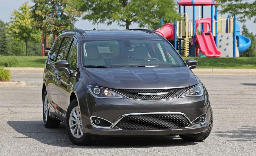 2017 Chrysler Pacifica Touring L - Slide 16