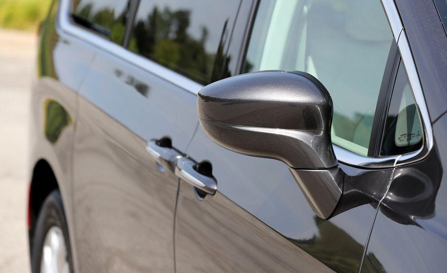 2017 Chrysler Pacifica Touring L - Slide 23