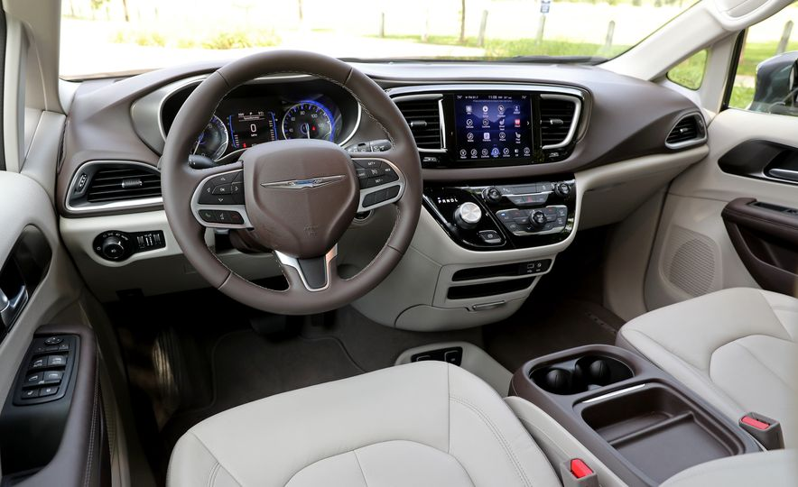 2017 Chrysler Pacifica Touring L - Slide 31